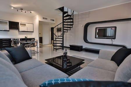Live The Luxury - 4th Circle - Amman - Apartemen