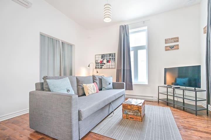 Liv MTL | MTL 202 | Up to 60% OFF | Lovely 1BR + Rooftop + Family