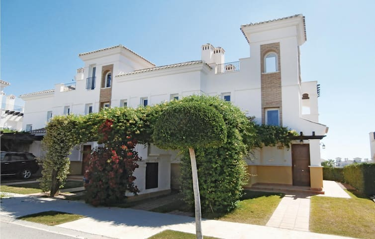 Terraced house with 2 bedrooms on 68 m² in Roldán