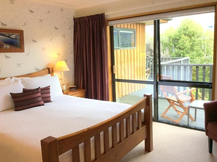 Queen Room - Wanaka Springs Lodge