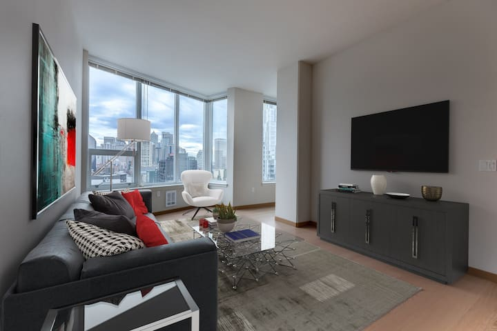 Clean apt just for you   1BR in Seattle