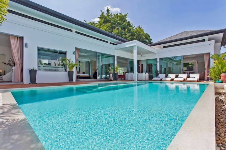 70% Discounted !! 4 Bedrooms Luxurious in Rawai