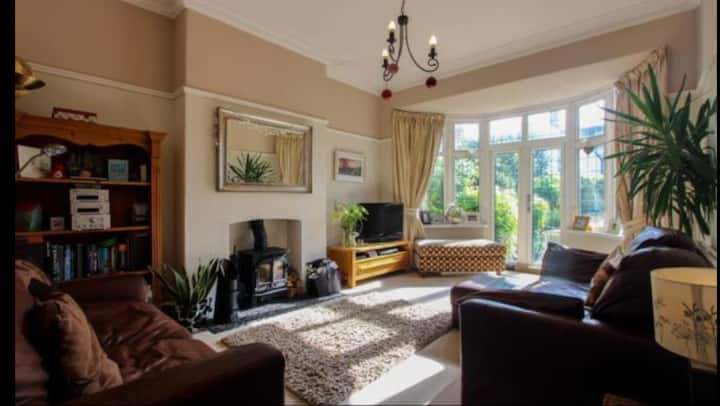 4 Bedroom Edwardian house in Penylan, Cardiff