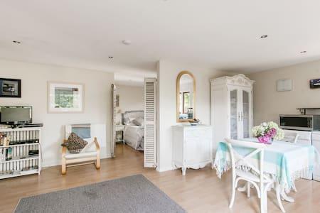 Charming Moana Cottage Mapua - Mapua - Rumah