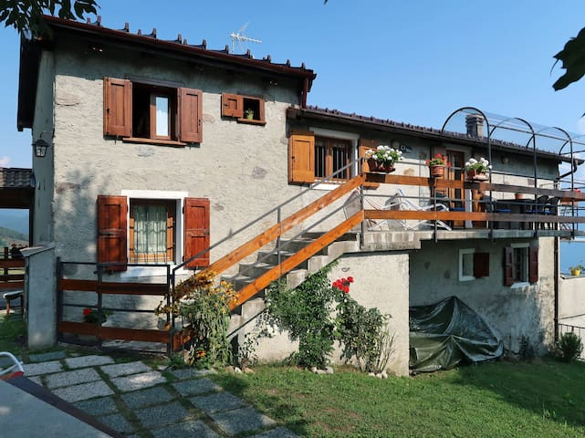 Holiday apartment in Peglio (CO)