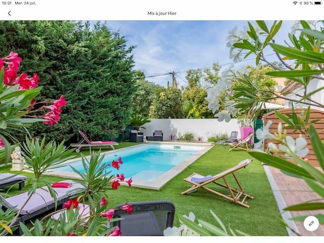 Logement dans Villa Piscine Terrasse  Calanques