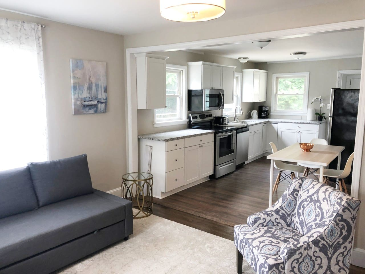 Open concept Living Room, eat in new kitchen & new appliances