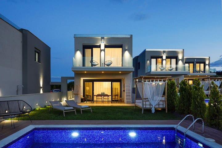 Premium 3 Bedroom Private Pool Villas | Soleado