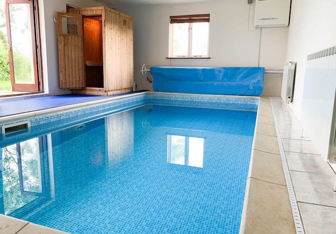 Beautiful Villa with Heated Indoor Swimming Pool