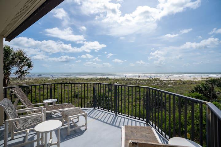 Oceanfront Rare GEM -Luxury in St Augustine Beach