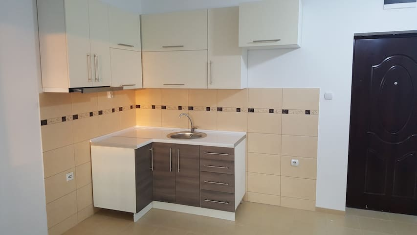 skopje apartment FREE OF CHARGE IN EXCHANGE FOR