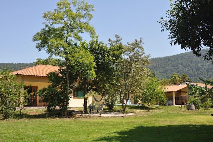 Sítio do Sol em Itaocaia Valley, serra e mar - Maricá - House