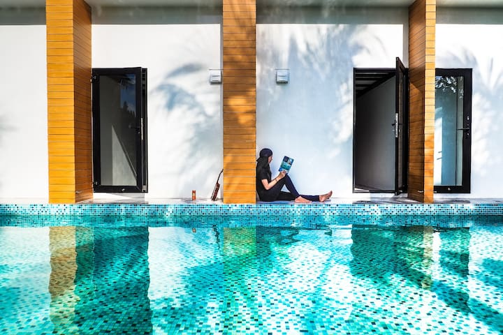 4 Bed Poolside in Poshtel at Phuket Old Town
