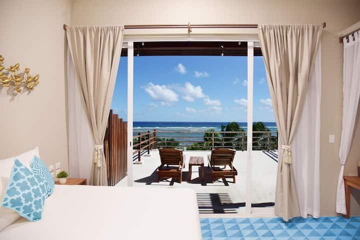 Sky Suite - New Beachfront Luxury Suite & Terrace