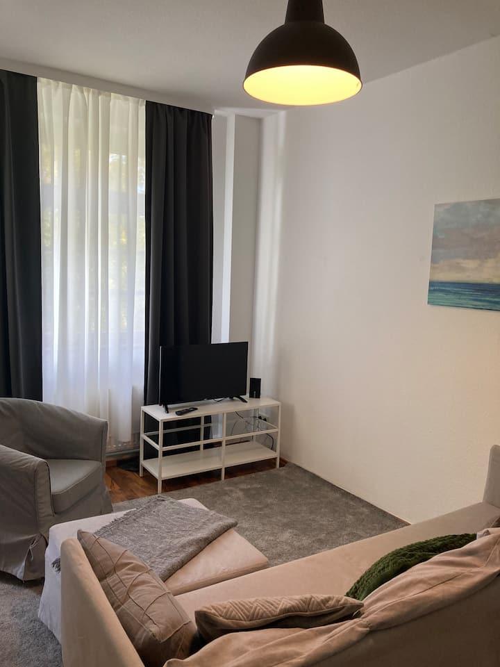 Gemütliche 2 Zimmer Wohnung mit Blick ins Grüne