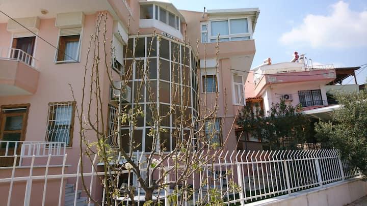 Altınoluk'ta dubleks villa dairesi