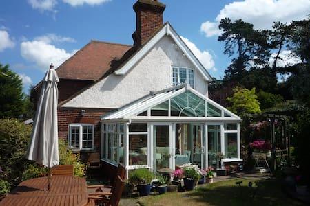 Magnolia Cottage Sheringham (Gables) - Apartment