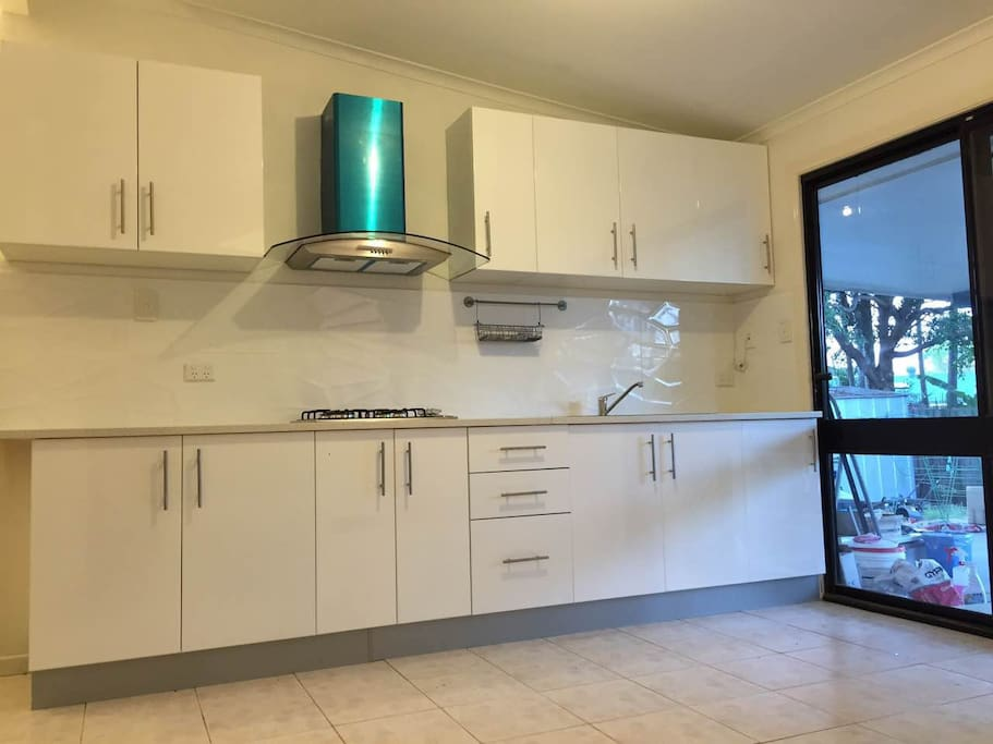 Nice Kitchen with gas