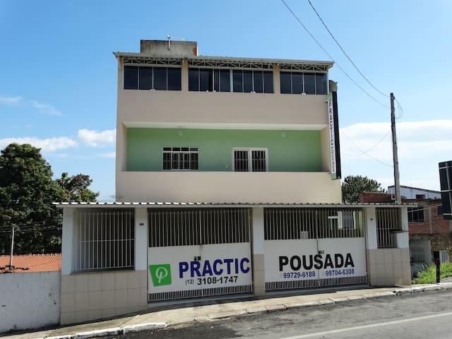 Practic Hostel - Aparecida, SP
