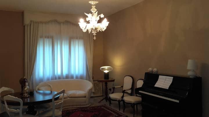 A classical apartment anda piano