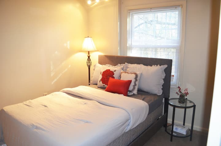 Alexandria Bedroom near DC/metro/Ft Belvoir