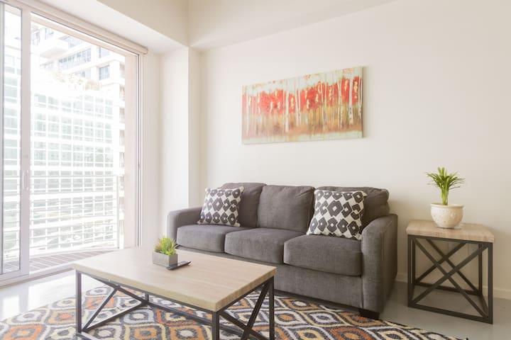 Excellent Apartment Heart of Downtown LA
