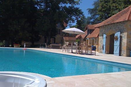 La Megene Gueugnon - Vendenesse-sur-Arroux - Rumah