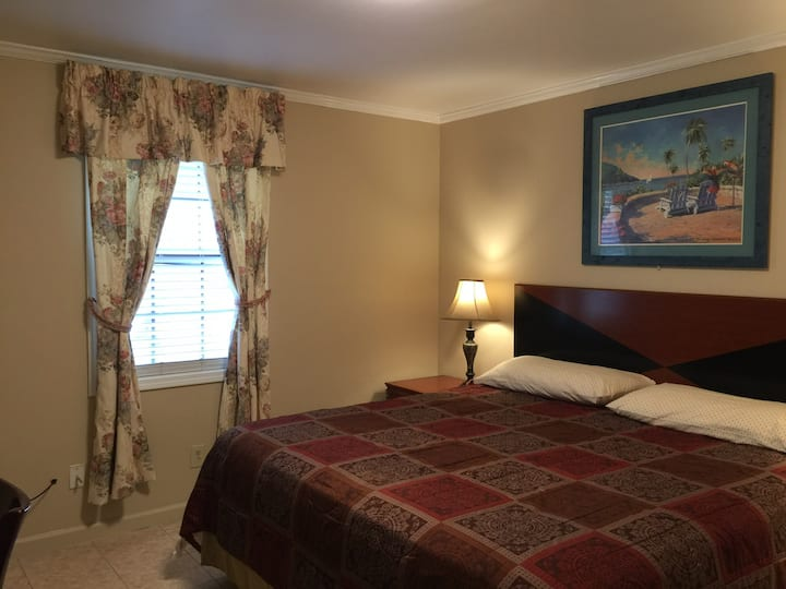 Pinecone Biloxi Beachside Rental