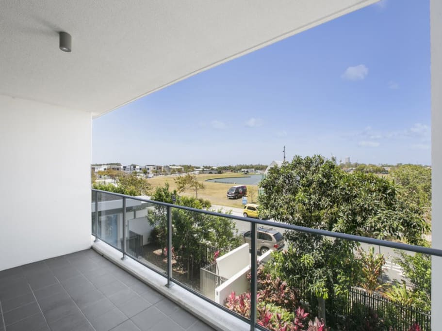 Harbour Town Luxury Free Parking Apartments For Rent