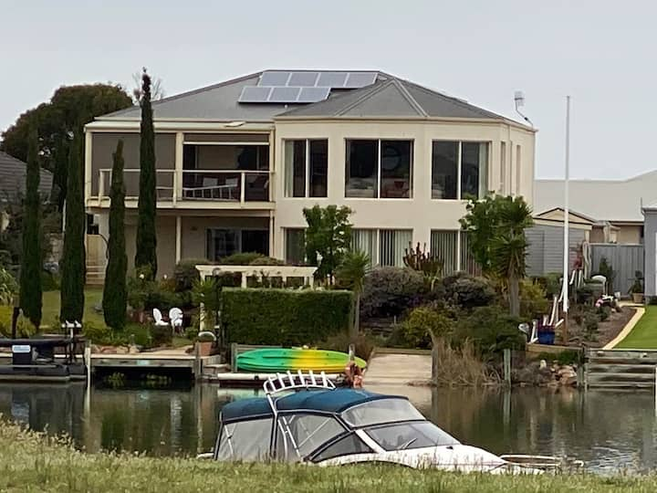 Dragon Fly Lodge on Hindmarsh Island