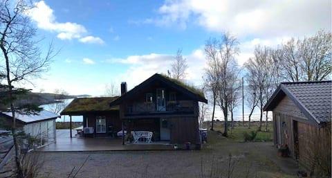 Huset ved havet på Vakre Salsnes.