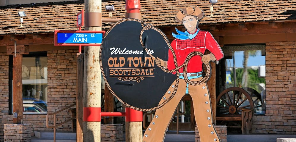Live it up in Old Town, Walk Everywhere!