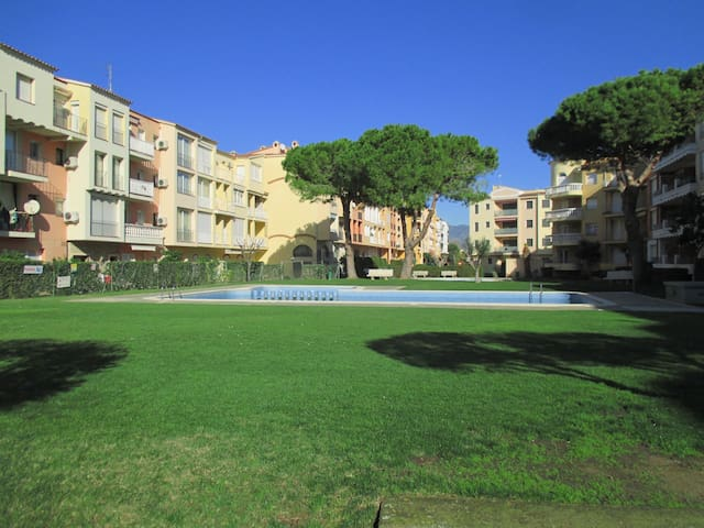 Apartm. 3 min. from the beach+WATER&AIR ADVENTURE - Empuriabrava - Daire