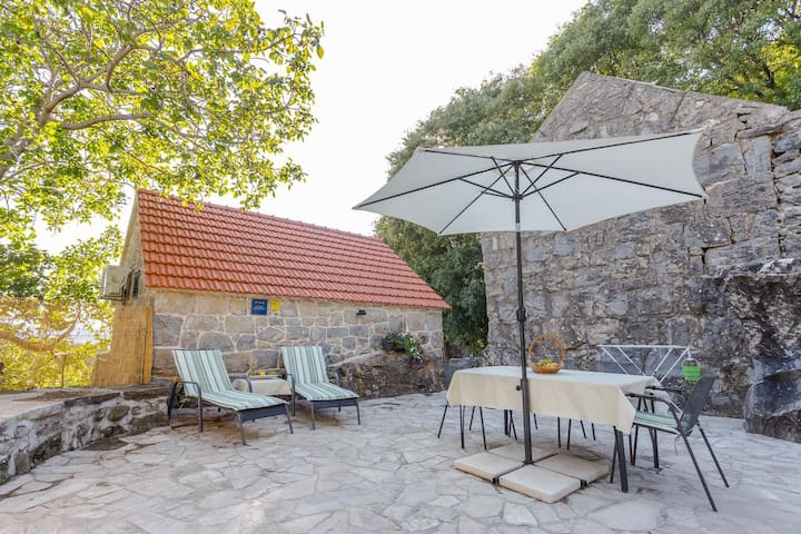 Studio flat with air-conditioning Gata (Omiš) (AS-6033-a)