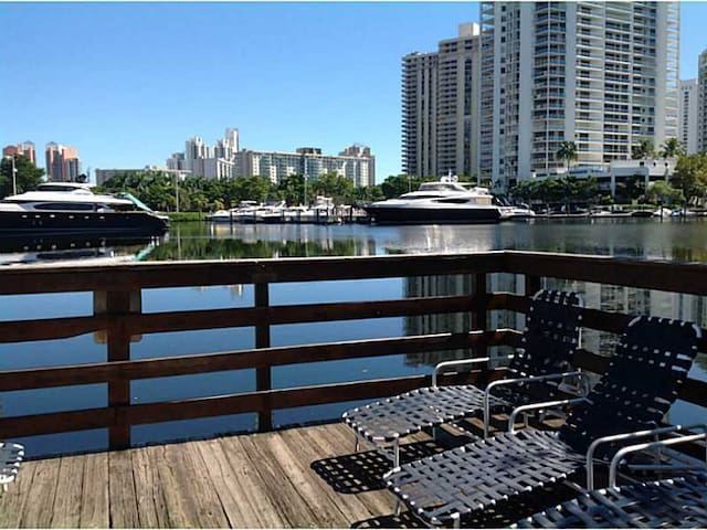 Aventura Yacht Club 1 - Miami - Apartment