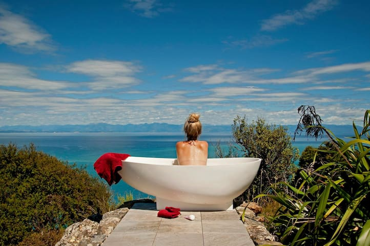 Rocky Point Hut romantic & adventurous getaway