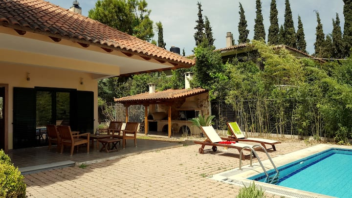 Beautiful Villa-Swimming Pool & BBQ