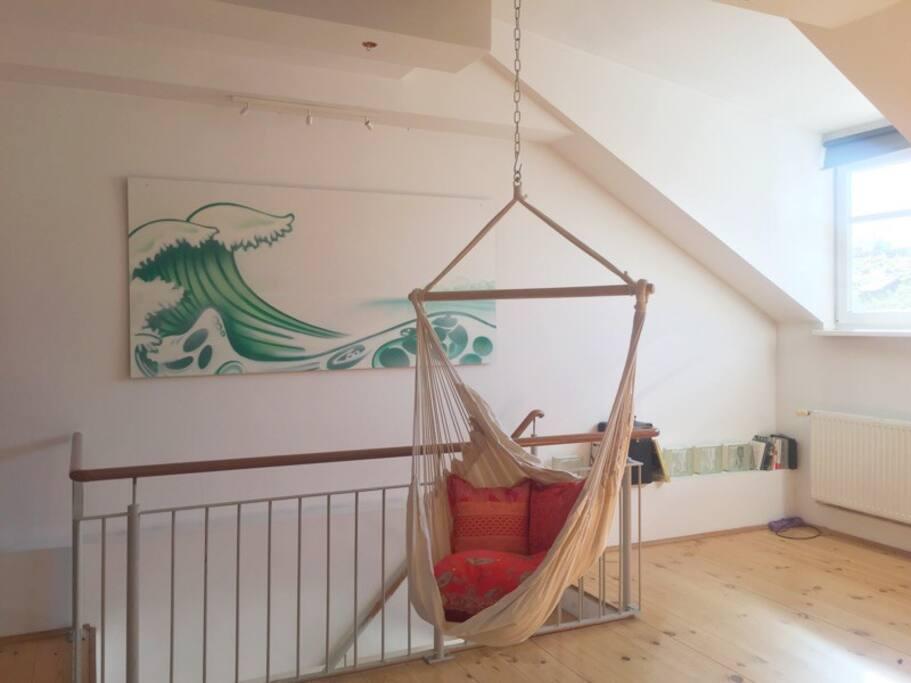 Schlafzimmer mit Treppe