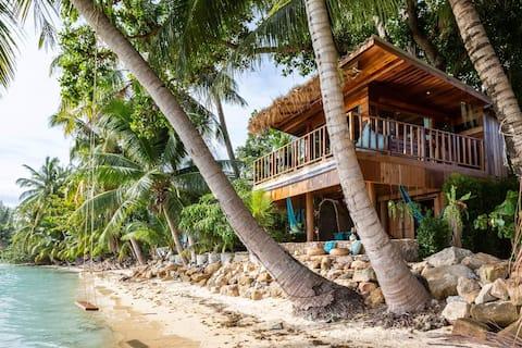 ❤️ LA CASA DEL ÁRBOL - Casa frente a la playa HIN KONG.