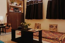 Drawing room / Chilling area (smoking friendly) (pic-1/2)