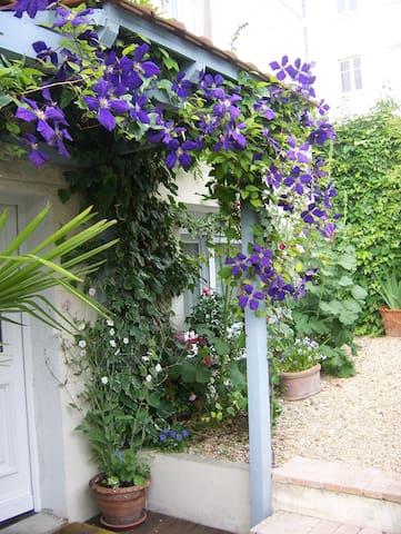 Jolie maison  à 4 km de Paris - Bourg-la-Reine