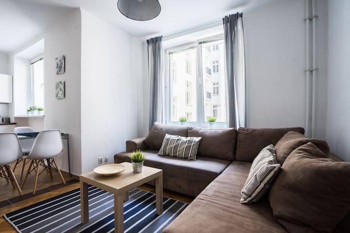 Warsaw Central spacious apartment