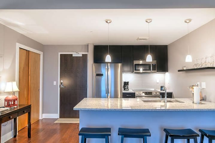 New, Luxury Condo in Downtown Asheville Condotel Unit #500