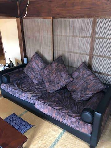 大型のソファー