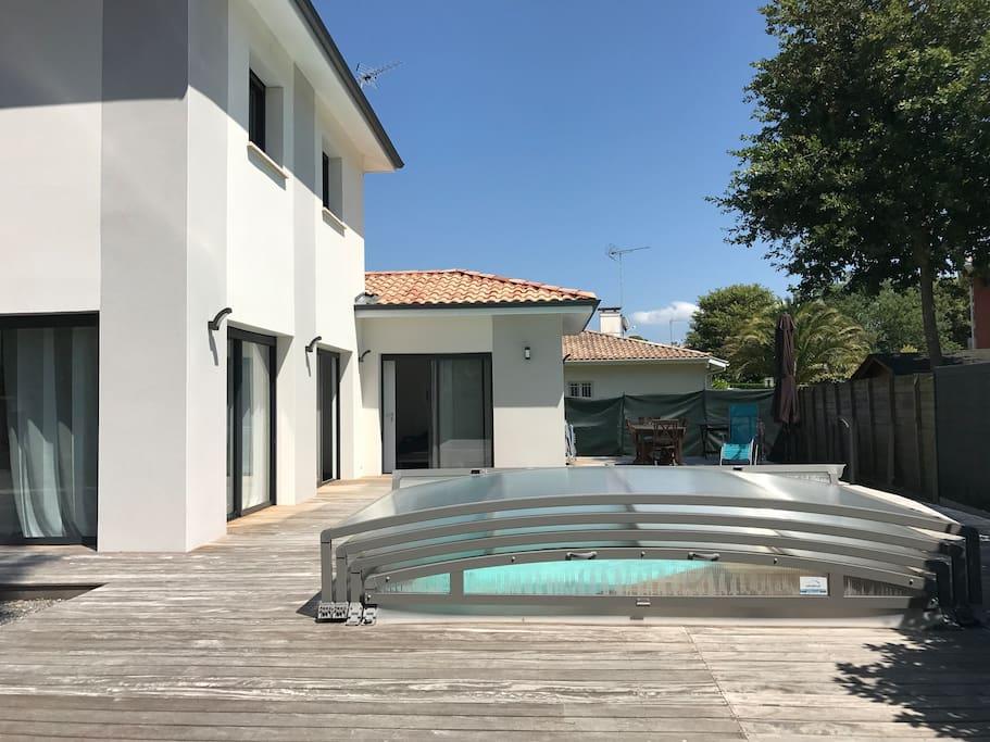 Maison neuve avec piscine 800m de l 39 ocean maisons for Piscine capbreton