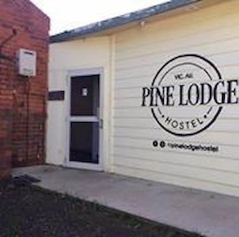 Pine Lodge Hostel R2