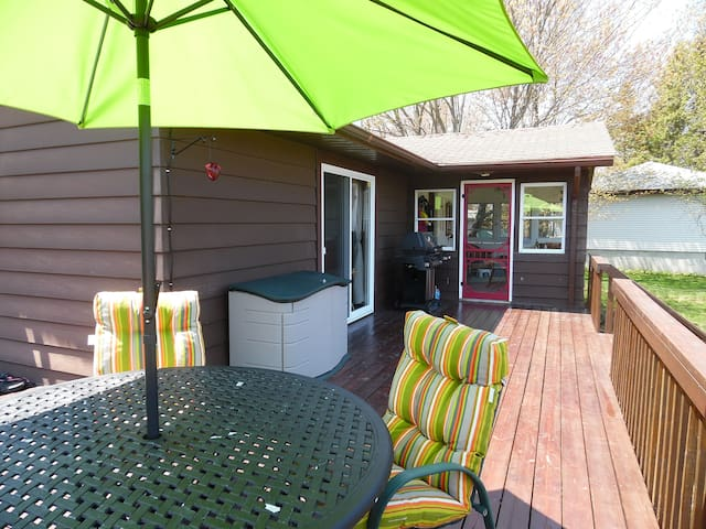 3 bedroom cottage with a large wrap around deck.