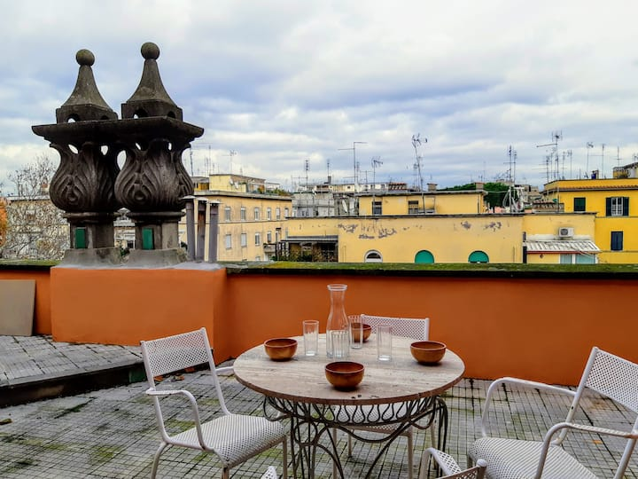 Charming Terrace Penthouse close Trastevere