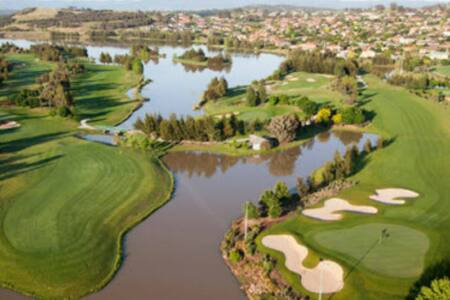 GUNGAHLIN LAKES GOLF COURSE STUDIO - Ngunnawal