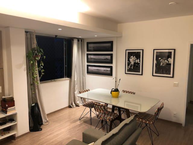 Savassi - Quarto em Apartamento